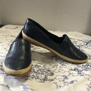 NIB Clarks navy loafer